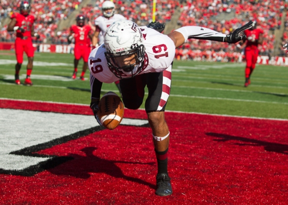 Robby Anderson returning punts for Temple is a bad idea when Nate L. Smith is on the same team. Click for story.